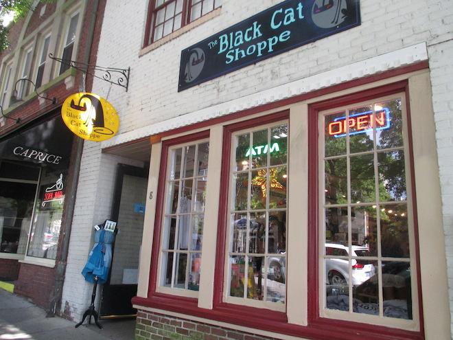 tree hill record shop 1