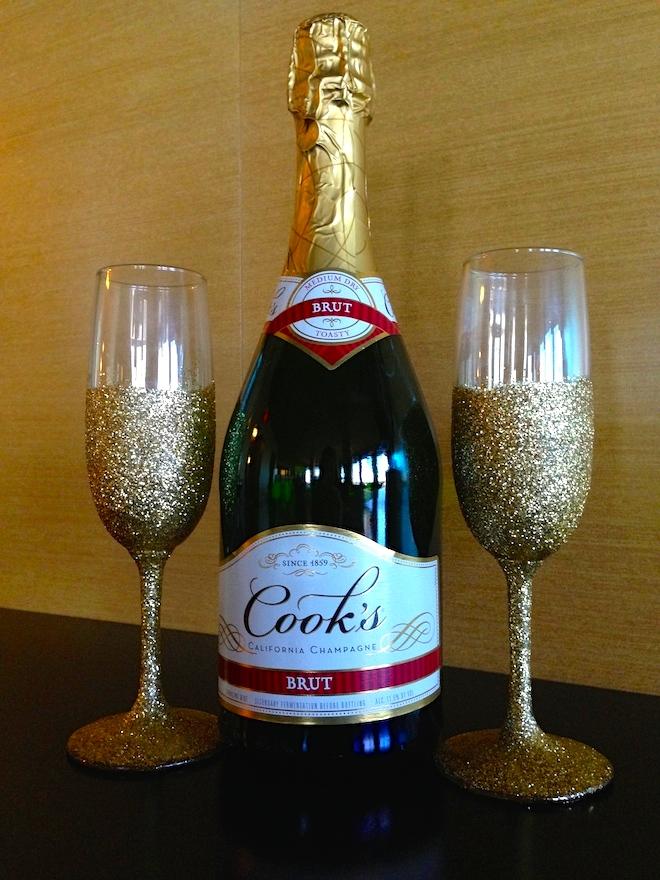 diy glitter champagne flutes