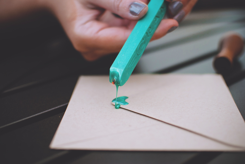 how-to-make-the-perfect-wax-seal-3