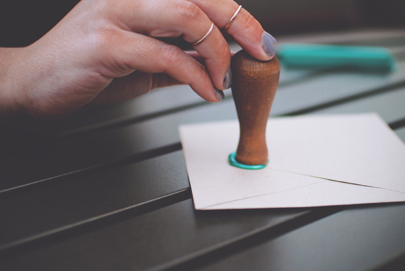 how-to-make-the-perfect-wax-seal-4