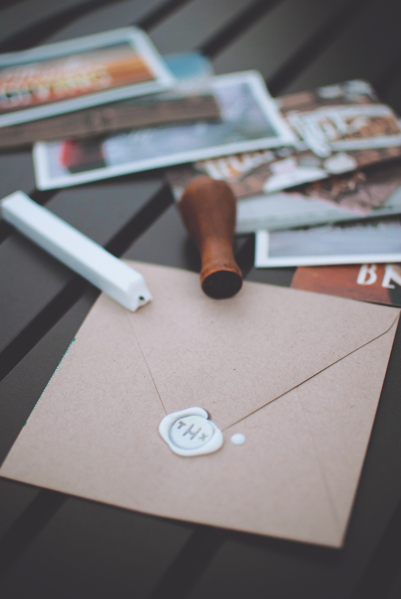 how to make a paper seal