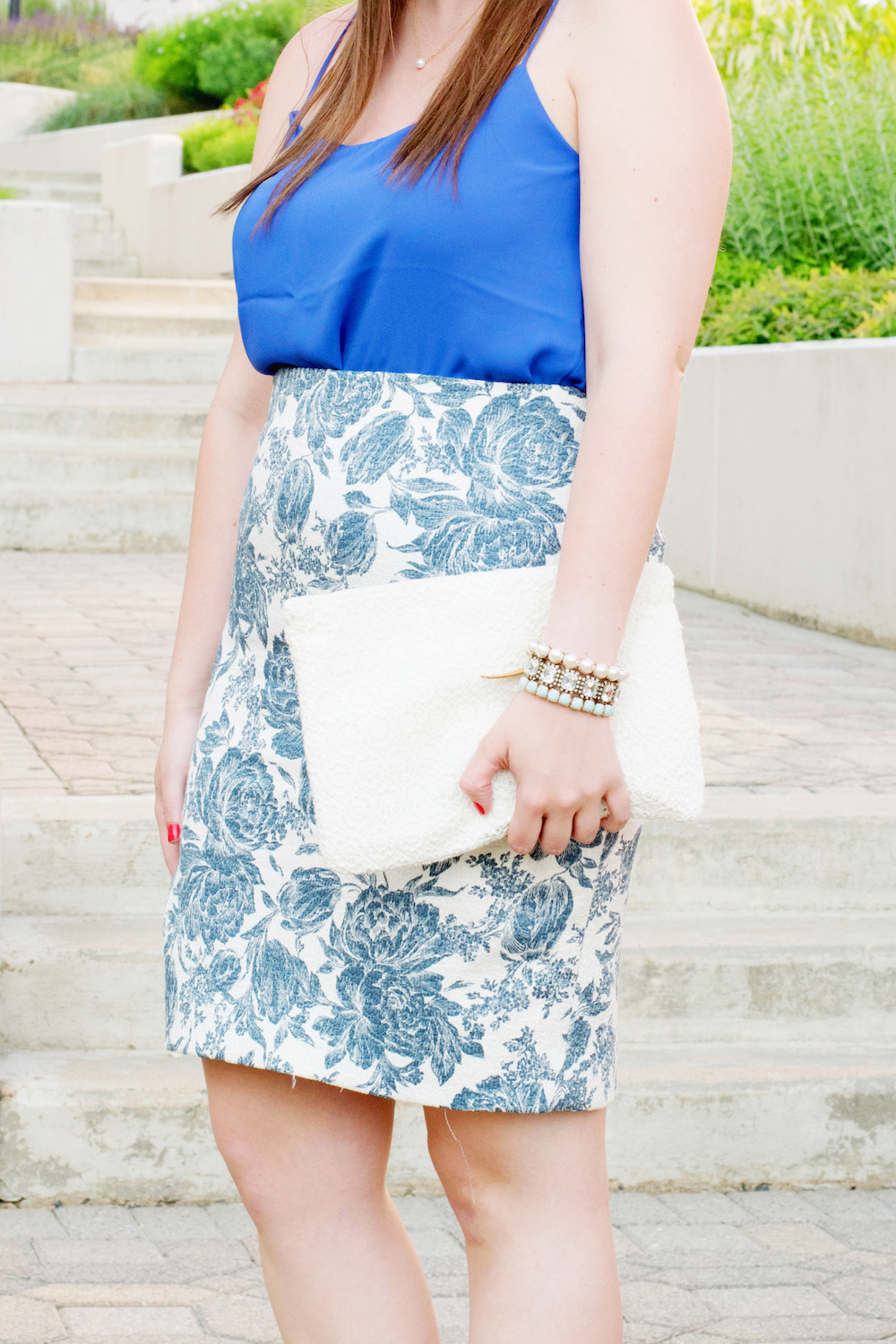 how to wear a pencil skirt in the summer