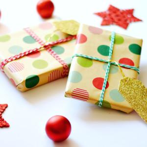 4 Kraft Paper Christmas Gift Wrap Ideas