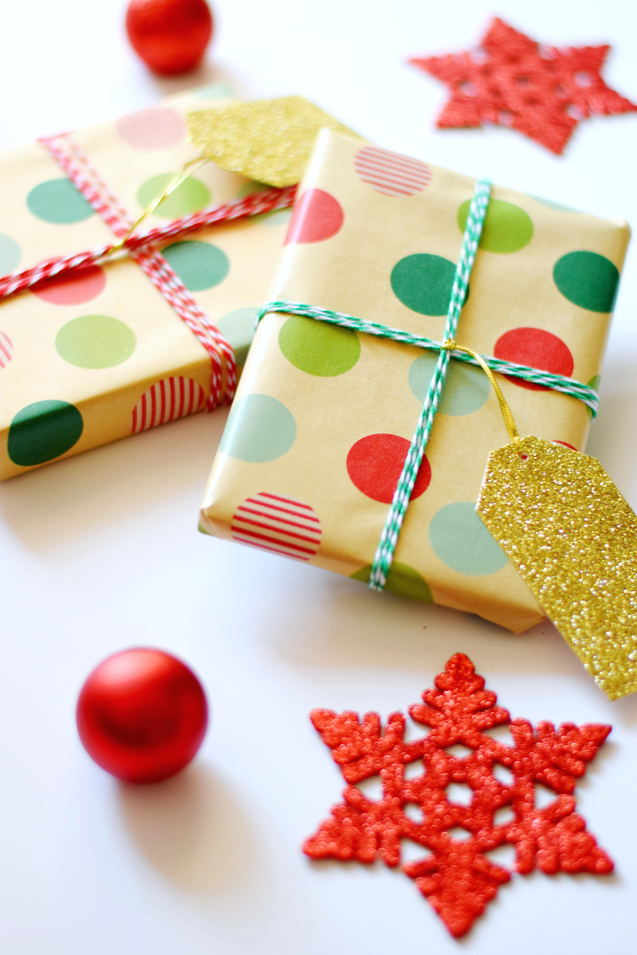holiday kraft paper christmas gift wrap ideas
