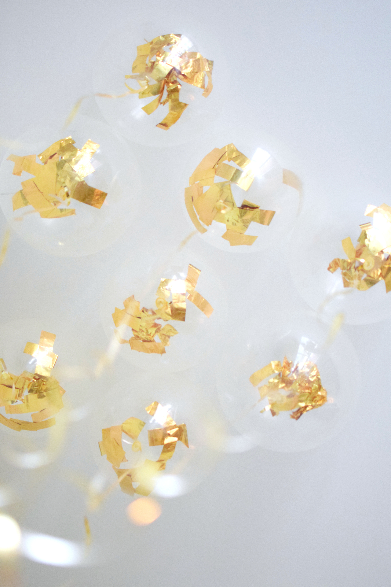 clear-balloons-with-gold-confetti-6