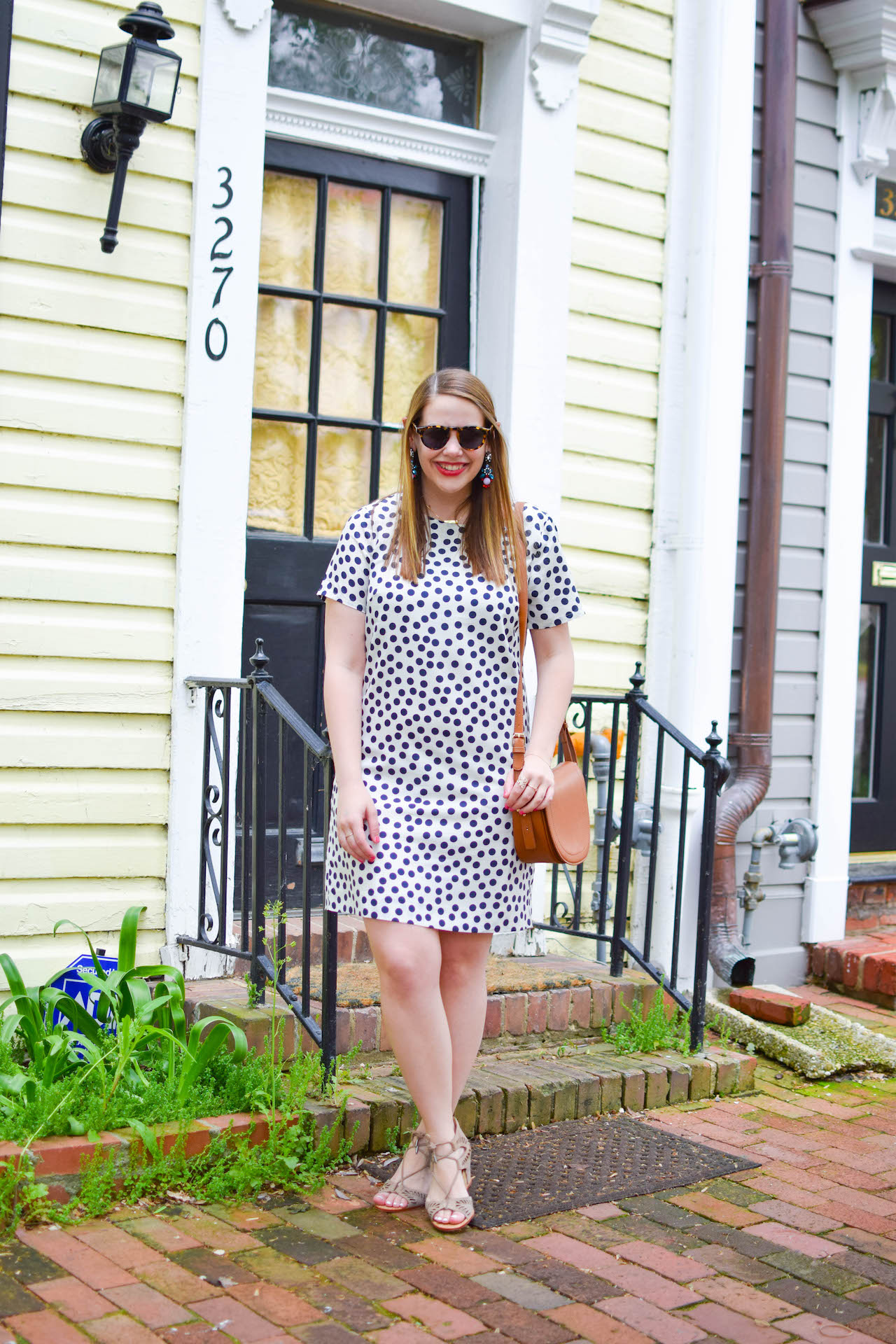 how-to-wear-a-shift-dress-to-work-7
