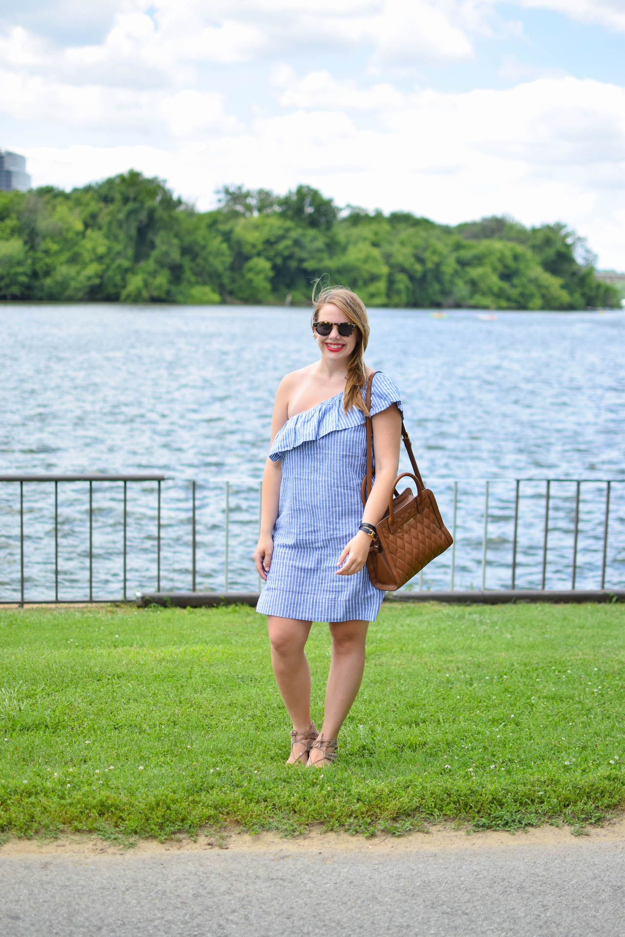madewell-striped-one-shoulder-dress-5