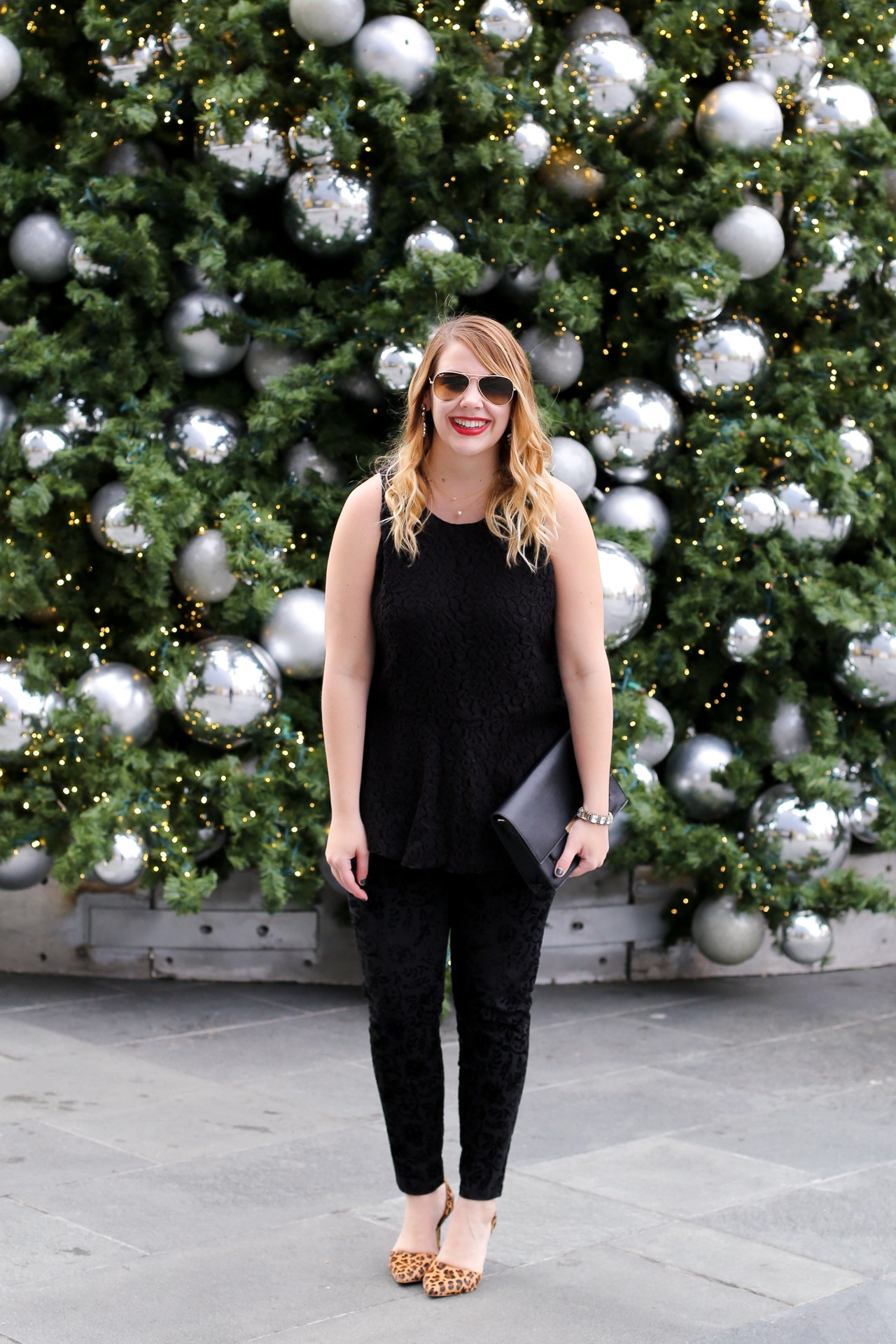 how to wear velvet leggings