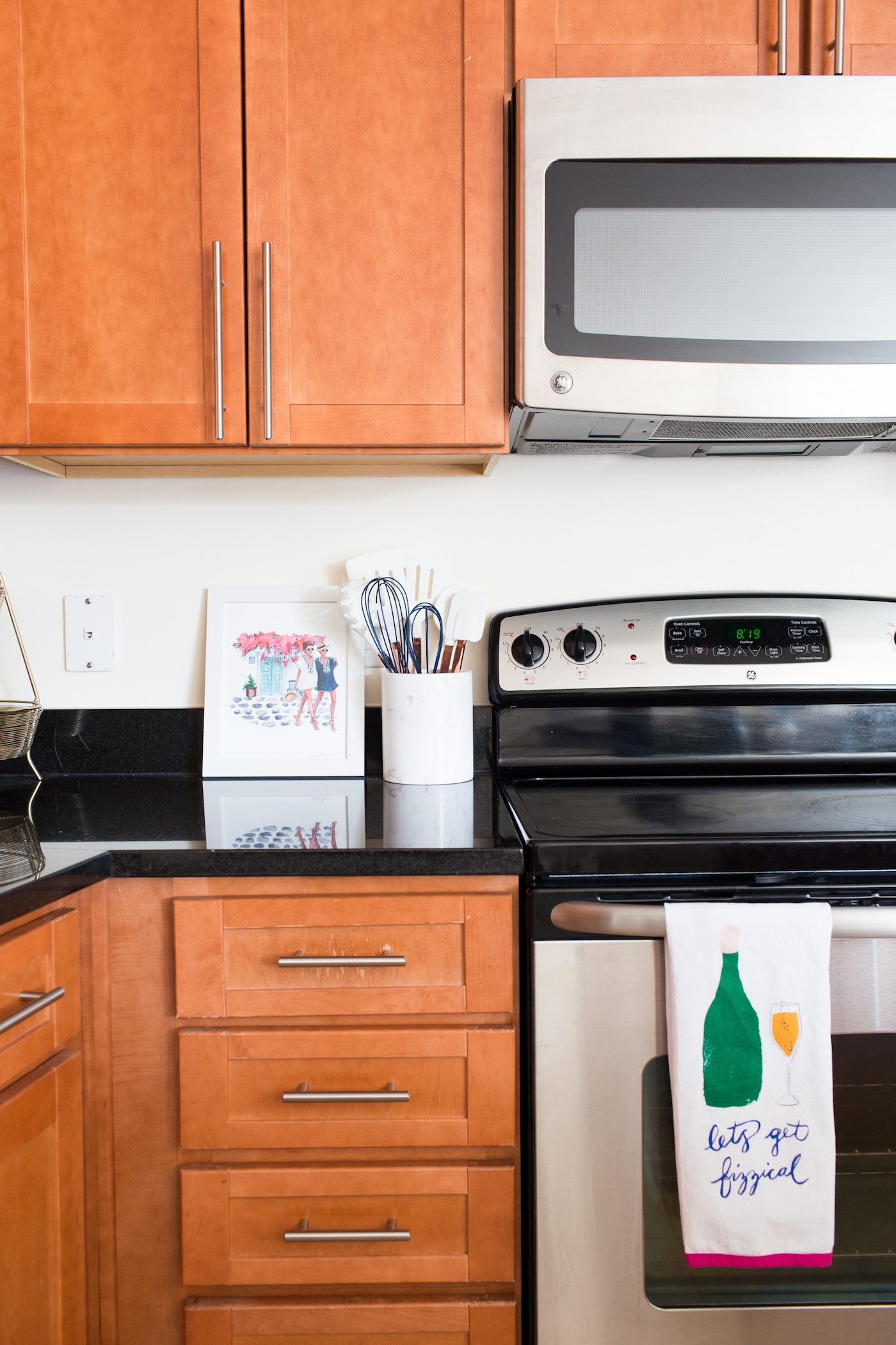 Apartment Kitchen Decor Ideas | A Touch of Teal