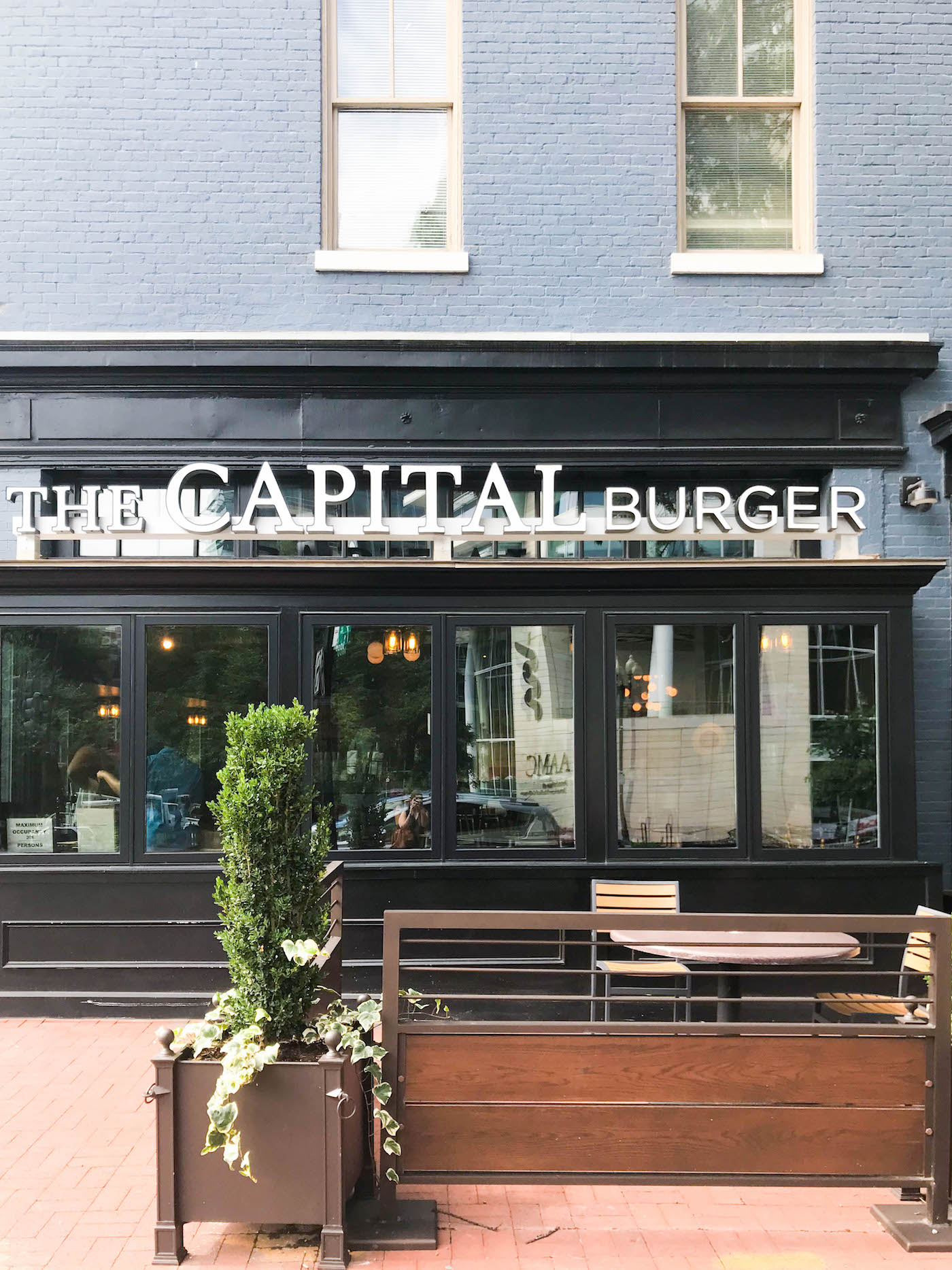 capital burger short fridays review