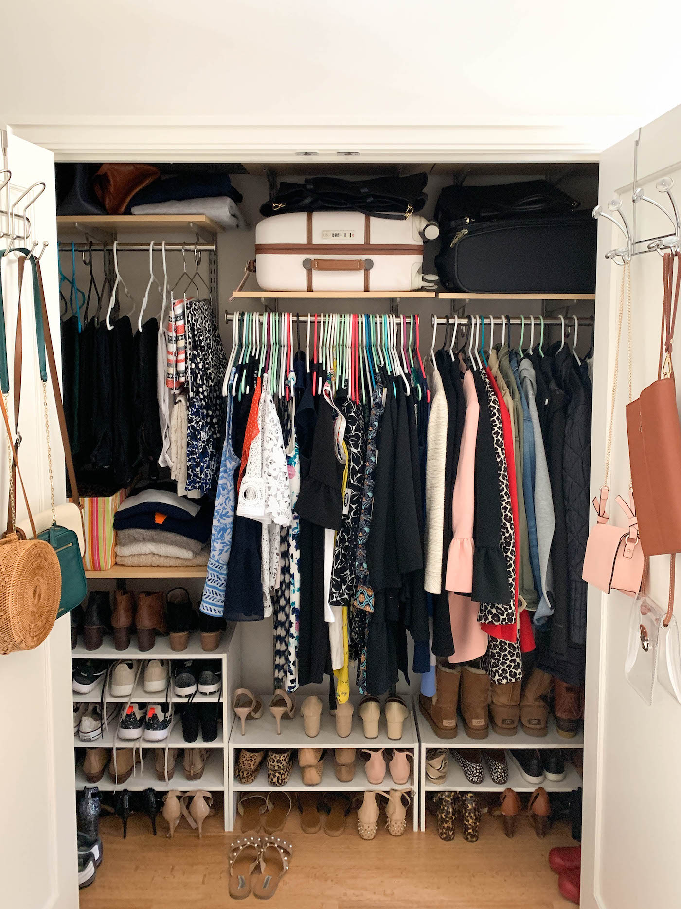 How To Organize A Small Closet A Touch Of Teal